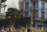 Hà Nội: Cháy rụi xưởng sản xuất hàng nội thất, gây thiệt hại lớn