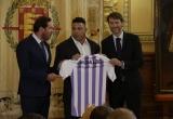 'Người ngoài hành tinh' chính thức sở hữu CLB Real Valladolid