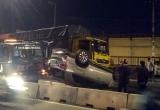 TP HCM: Ôtô 'phơi bụng' sau va chạm với xe tải