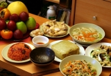Chế độ ăn ngày Tết cho bé khỏe mạnh
