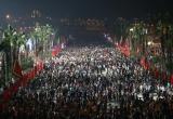 'Biển người' hành hương Đền Hùng trong đêm trước ngày khai hội