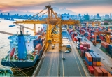 Chuyên gia kinh tế: 'Việt Nam phải phát triển nhanh mới đuổi kịp các nước đi trước'
