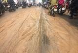 Con đường ở Sài Gòn tràn lan bùn đất chỉ sau một đêm