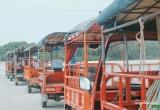 Quảng Ninh: Lật xe túc túc trên đảo Quan Lạn, 9 du khách bị thương