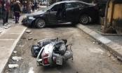 Clip: Nữ tài xế lùi xe Camry cán chết người đi xe máy ở Khương Trung, Hà Nội