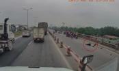 Đôi nam nữ đi xe máy đâm vào thành cầu Thanh Trì, một người tử vong