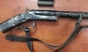 Dùng súng tự chế bắn gà, bé 14 tuổi trúng đạn tử vong