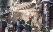 Mới nhất vụ việc sập nhà số 56 Hàng Bông: Hàng xóm nói có sửa chữa, Phường nói không!