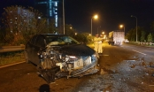 Hà Nội: Ô tô 5 chỗ nát bét đầu sau cú đâm xe tải trên đại lộ Thăng Long