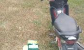 Bị tổ công tác phát hiện, đối tượng bỏ chạy để lại 5kg ma túy và xe máy