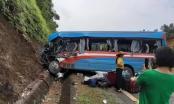 Tuyên Quang: Xe khách va chạm với xe đầu kéo, hơn 10 người nhập viện cấp cứu