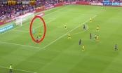 Video: Pha phản lưới nhà ngớ ngẩn của hậu vệ Arsenal