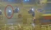 Bàng hoàng với Clip nam thanh niên ở Đồng Nai phóng xe tông sập rào chắn, bị tàu hỏa cán chết