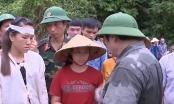 Trưởng Ban Tổ chức Trung ương đến thăm bà con vùng lũ tại Thanh Hóa