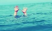 Rơi xuống mương nước, 2 trẻ đuối nước thương tâm