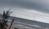 Xuất hiện vòi rồng cao hàng chục mét trên biển Hà Tĩnh