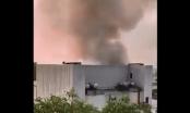 [Clip]: Cháy hội trường Cung văn hóa hữu nghị Việt Xô, khói bốc lên cuồn cuộn