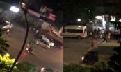 Hoảng hồn với Clip hơn 10 kẻ giang hồ cầm dao phóng lợn truy sát 7 thanh niên ở giữa Thủ đô