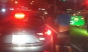 Nghệ An: Triệu tập nam thanh niên dừng ô tô tè bậy giữa đường