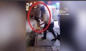 Cần xử lý nghiêm nam tài xế dùng côn nhị khúc đánh người