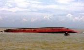 NÓNG: Tàu hàng cùng 12 người chìm trên biển Hà Tĩnh
