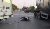 Hà Nội: Mẹ tử vong, con gái 7 tuổi nhập viện cấp cứu sau tai nạn với xe tải