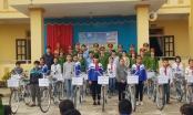 Mang Xuân ấm đến với các em học sinh có hoàn cảnh khó khăn tại Nghệ An