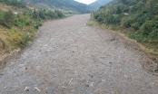 Khốn khổ vì bãi rác khổng lồ trên mặt nước hồ thủy điện lớn nhất Bắc Trung bộ