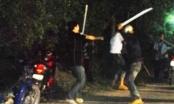 Nhóm thiếu niên lao vào hỗn chiến vì tiếng nẹt pô