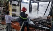Nghệ An: Nhà thờ họ 12 đời bị ngọn lửa thiêu rụi