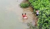 """Người cứu nữ sinh khỏi miệng """"hà bá"""" kể lại phút giây vật lộn với dòng nước cuộn xiết"""