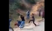 """Thanh Hóa: Hàng chục nữ sinh cầm gậy gộc tụ tập """"hỗn chiến"""" giữa mùa dịch Covid-19"""