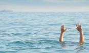 Kịp thời cứu sống 2 thiếu nữ nữ đuối nước khi tắm biển Cửa Lò