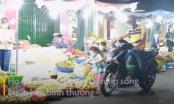 Chợ đông đúc ở TP.HCM sau lệnh dừng cách ly