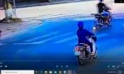 Clip: Va chạm giữa 2 xe máy tại ngã ba, 2 người thương vong ở huyện Bắc Quang
