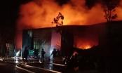Hỏa hoạn khổng lồ xuất hiện trong đêm, nhiều người phát hoảng