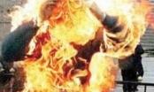 Nghệ An: Hút thuốc gần can xăng gây hỏa hoạn khiến 2 vợ chồng thương vong