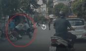 """Clip: Người đàn ông bị đối tượng đi xe máy """"húc"""" trực hiện khi """"thông chốt"""" Công an"""