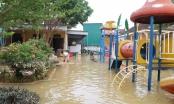 Giám đốc sở GD&ĐT Nghệ An thăm hỏi, động viên các điểm trường ngập lụt
