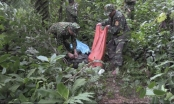 [Video]: Cận cảnh những chiếc bao tải chứa đầy ma túy đá trong rừng