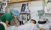 Phú Thọ: Cấp cứu kịp thời bé trai 2 tuổi vì uống nhầm thuốc trừ sâu