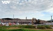 Người dân ở Trà Vinh khốn khổ vì bãi rác ô nhiễm, ăn cơm phải đóng cửa