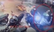 Clip nghi lại cảnh người đi đường khống chế tên trộm xe máy như phim hành động