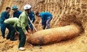 Vĩnh Phúc: Tá hỏa phát hiện quả bom nặng hơn 3 tạ khi đào móng nhà