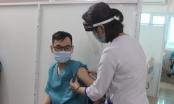 Tiêm vắc xin COVID-19 ở Việt Nam: Quy trình an toàn và khác biệt