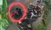 Video: Tên trộm xe máy nhận cái kết sấp mặt trước pha phản ứng cực gắt của người phụ nữ