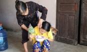 Nghệ An: Xót xa cảnh cha mẹ già nuôi 2 con tàn tật và tâm thần