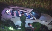 Giải cứu tài xế bị thương nặng, kẹt cứng trong ô tô sau vụ tai nạn