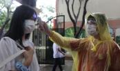 Kỳ thi vào lớp 10 tại Hà Nội: Thí sinh hớt hải, vượt mưa tới điểm thi