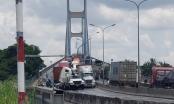 Va chạm xe liên hoàn tại chân cầu Phú Mỹ khiến giao thông ùn tắt nghiêm trọng